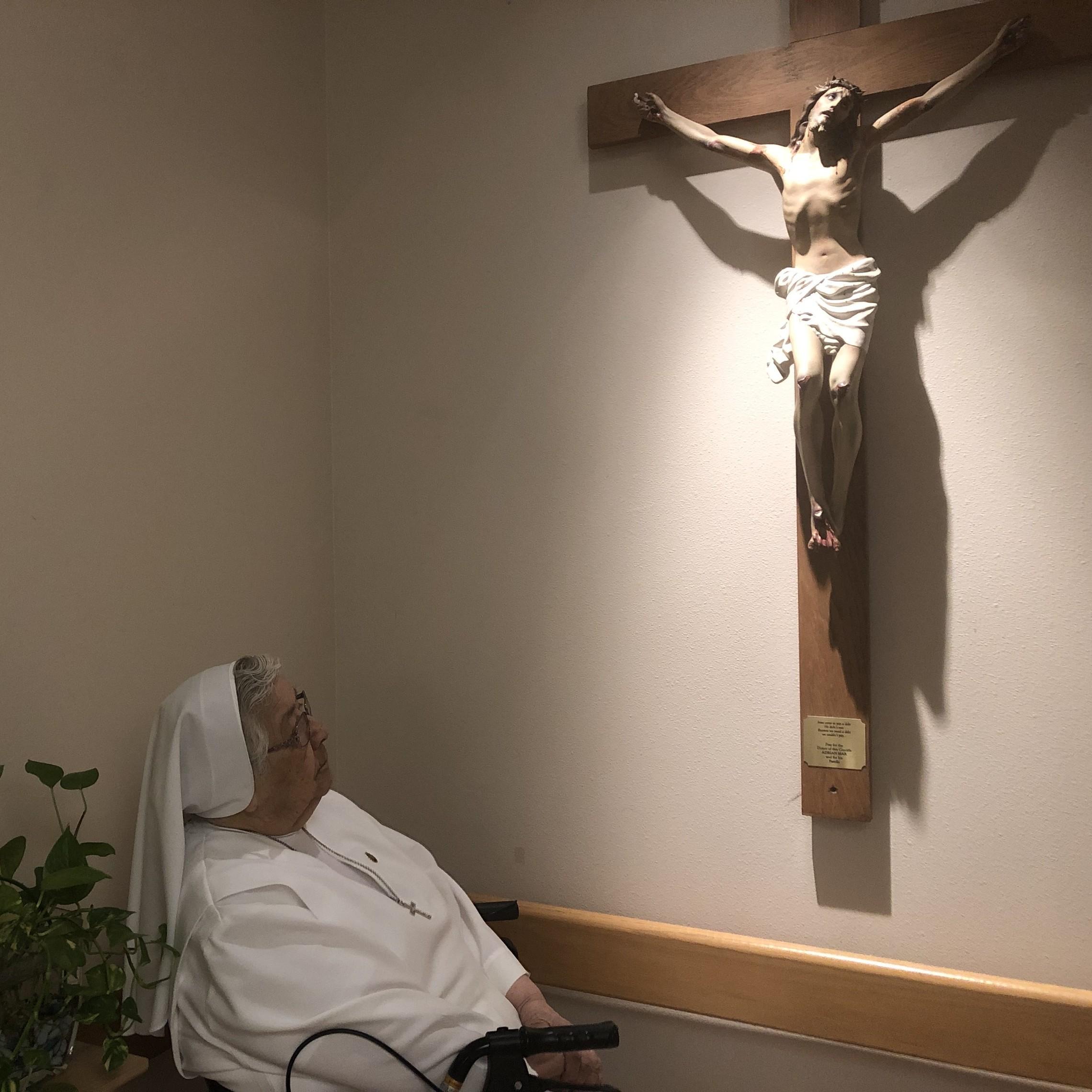 Sr. Sara Praying